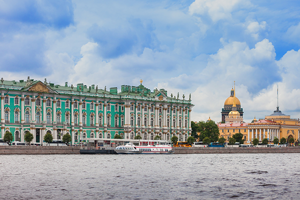 FAMILY VACATIONS IN PETERSBURG: Second room as a gift from the Grand Hotel Europe