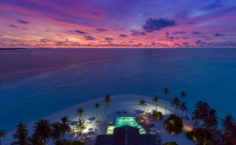NEW YEAR AND CHRISTMAS AT BAGLIONI RESORT MALDIVES